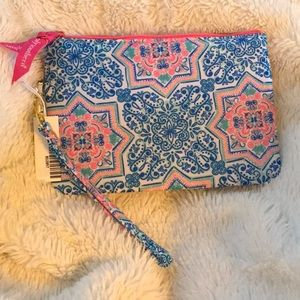 Nwt 🎀 Simply Southern Phone wristlet 🎀